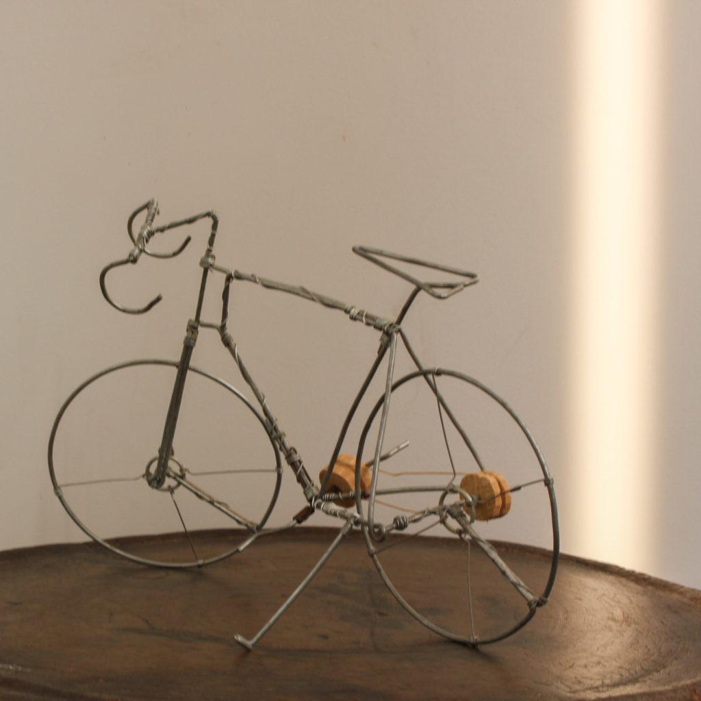 ワイヤー自転車 ブルキナファソ