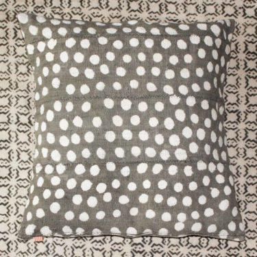 マリの泥染め布の小話